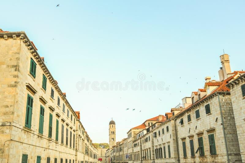 Huvudsaklig stadsgata Stradun arkivfoton