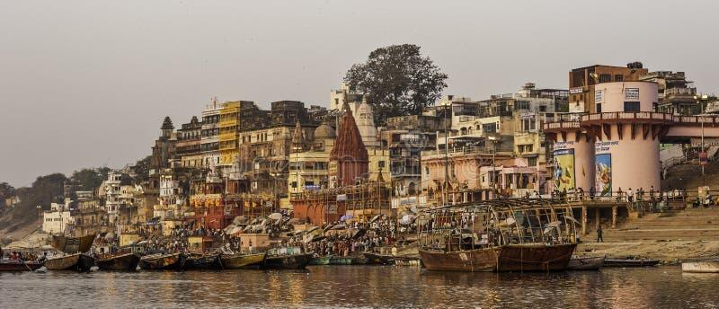 Huvudsakliga Ghat i Varanasi fotografering för bildbyråer