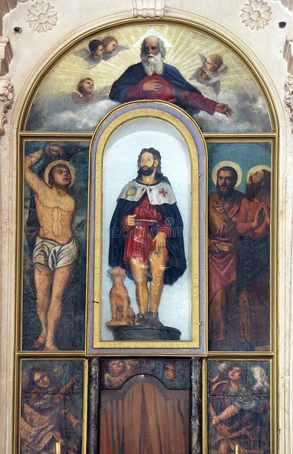 Huvudsakligt altare i kyrkan av helgonet Roch i Lumbarda, Korcula ö, Kroatien royaltyfria foton