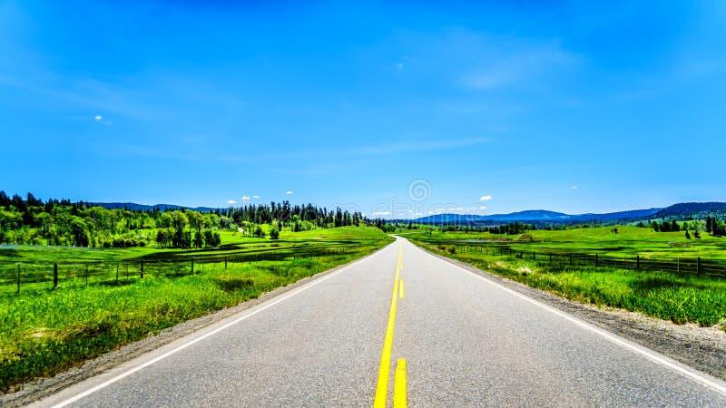 Huvudväg 5A i inre av F. KR., Kanada royaltyfria foton