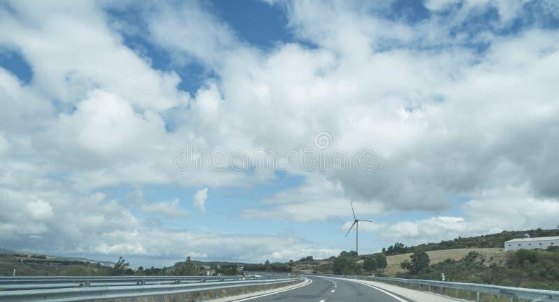 Huvudväg i norden av Portugal royaltyfria foton