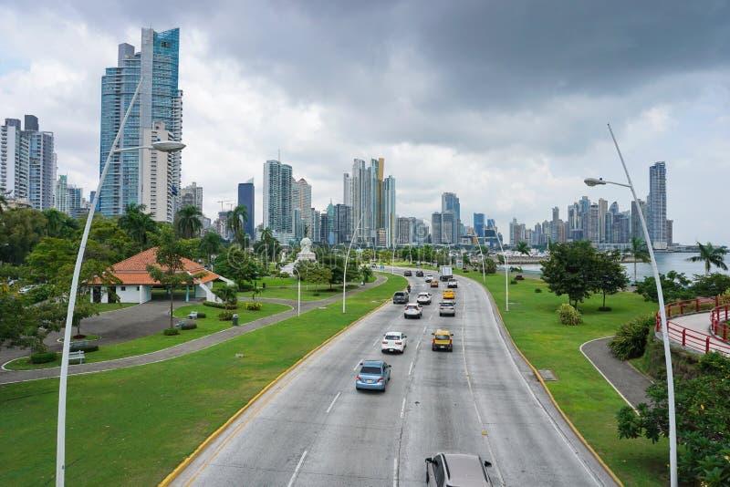 Huvudväg i Panama City royaltyfri foto