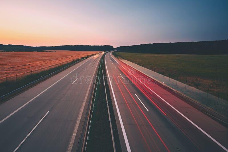 Huvudväg på soluppgången royaltyfri fotografi