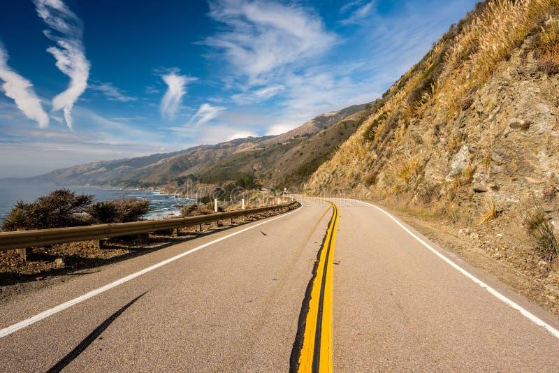 Huvudväg 1 på Stillahavskusten, Kalifornien, USA royaltyfria foton