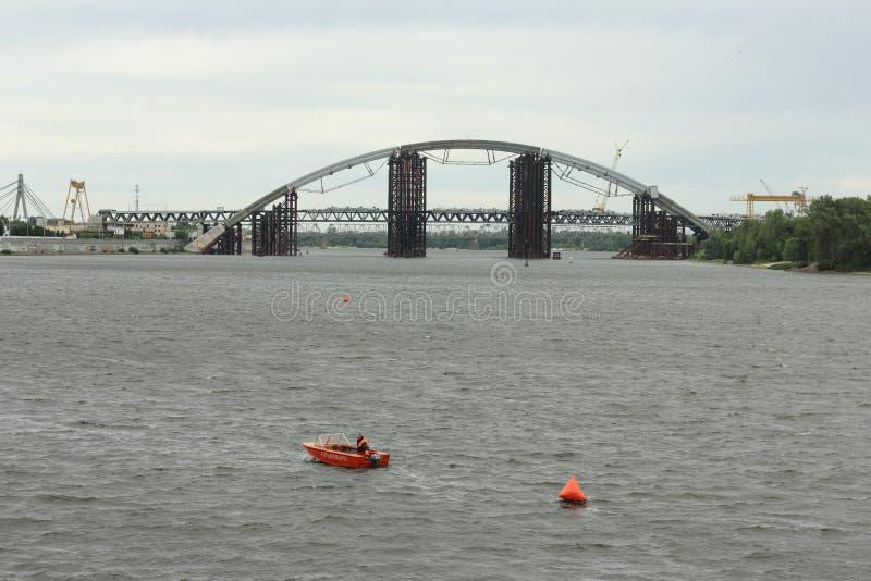Huvudväg på vattnet för triathlon royaltyfri foto