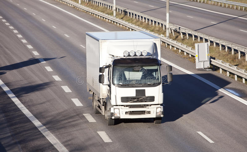 huvudväglastbil royaltyfria bilder