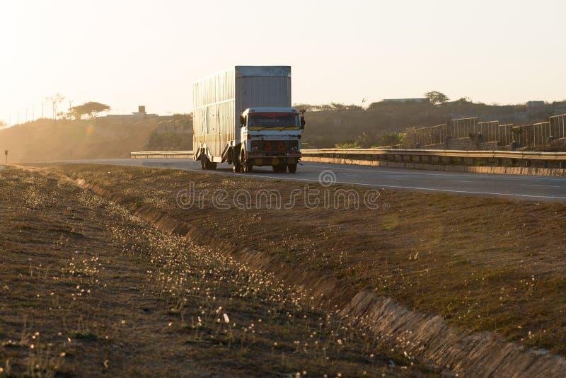 Huvudväglastbil fotografering för bildbyråer