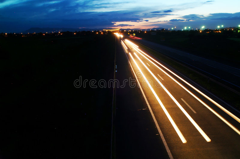 huvudvägnatt royaltyfri bild