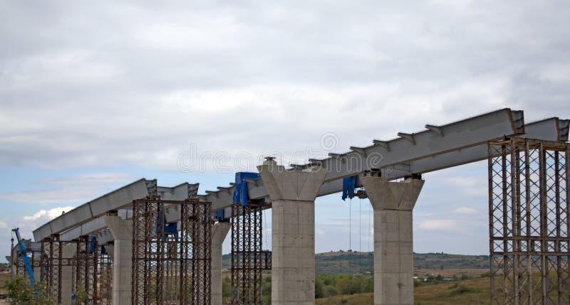 Huvudvägviaduct under konstruktion royaltyfria foton
