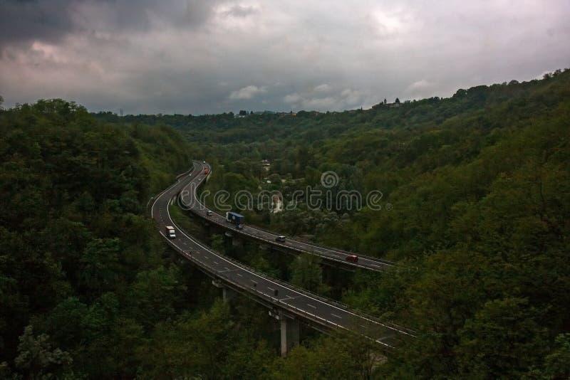 Huvudvägviadukt i träna, royaltyfri foto