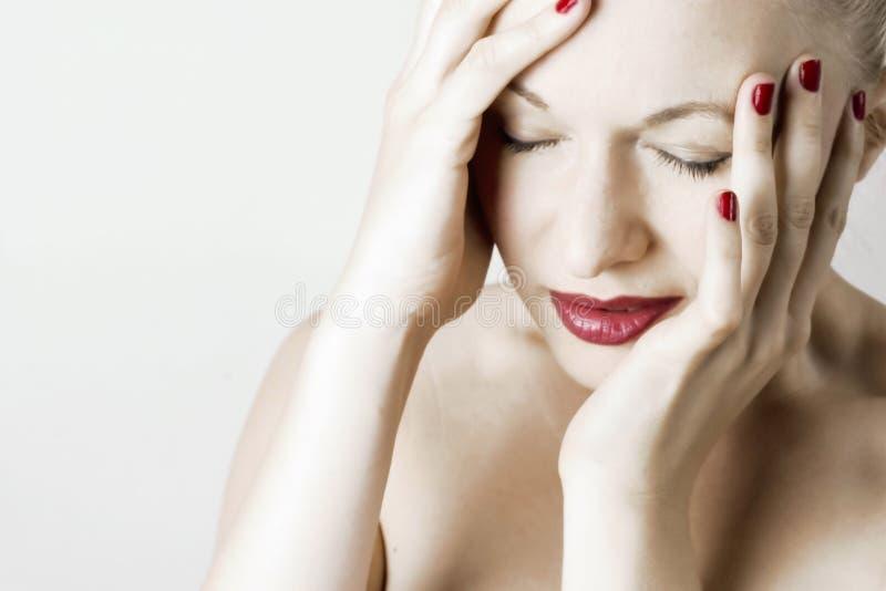 huvudvärkkvinna royaltyfria foton