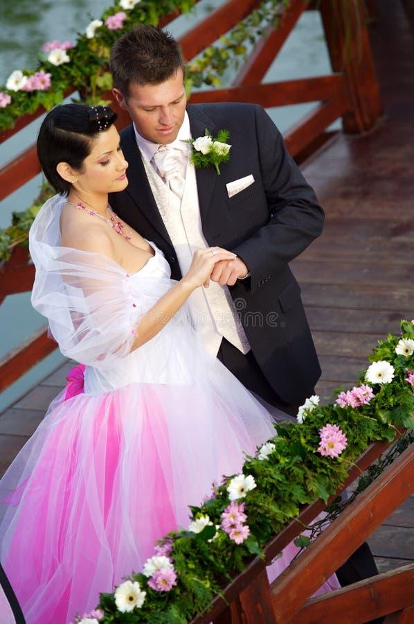 Huwelijk: Bruid en Bruidegom stock fotografie