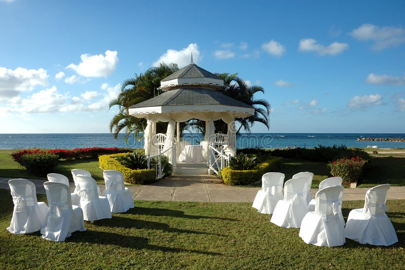 Huwelijk Op Het Strand Stock Foto