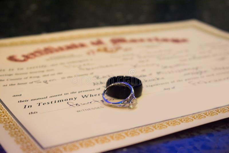 Huwelijksakte stock afbeelding