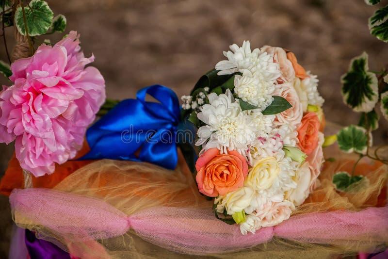 Huwelijksboeket, bloemen, rozen, mooi boeket stock foto
