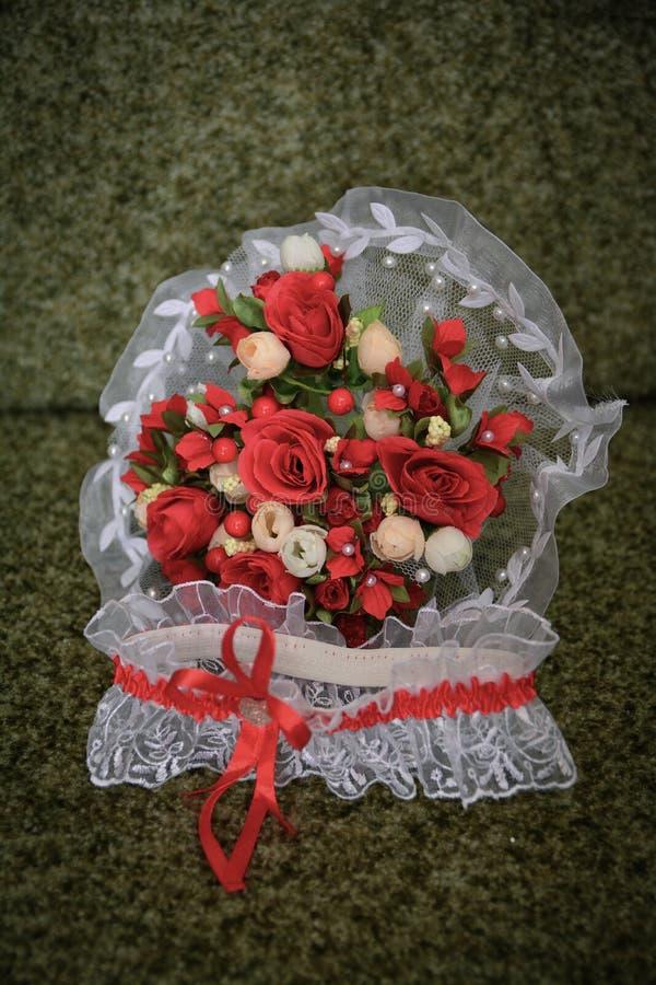 Huwelijksboeket van bloemen, symbolisch van liefde en Romaans huwelijksthema, stock foto