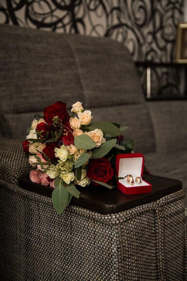 Huwelijksboeket van bloemen, symbolisch van liefde en Romaans huwelijksthema, royalty-vrije stock fotografie