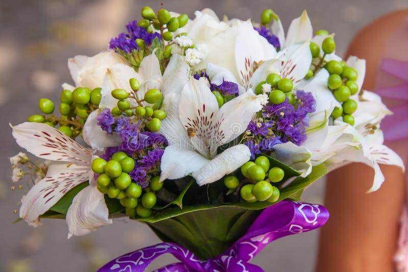 Huwelijksboeket van mooie bloemen stock afbeelding