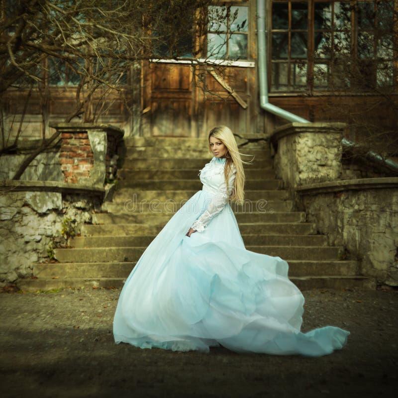 Download Huwelijksmanier stock foto. Afbeelding bestaande uit magisch - 39108894