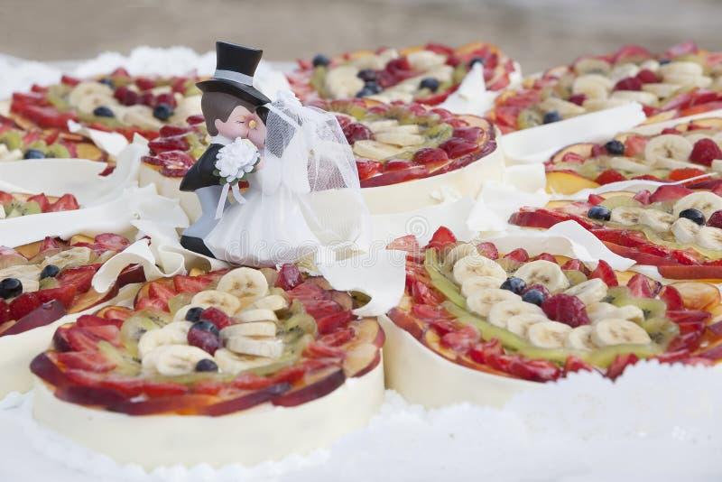 Huwelijkspaar topper stock foto's