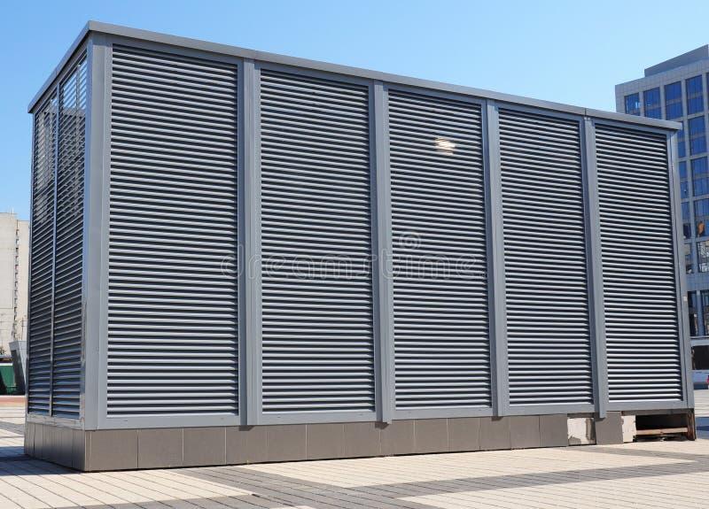 HVAC come condizionamento d'aria di ventilazione del riscaldamento CA-radiatore Condizionamento industriale e sistemi di ventilaz fotografia stock libera da diritti