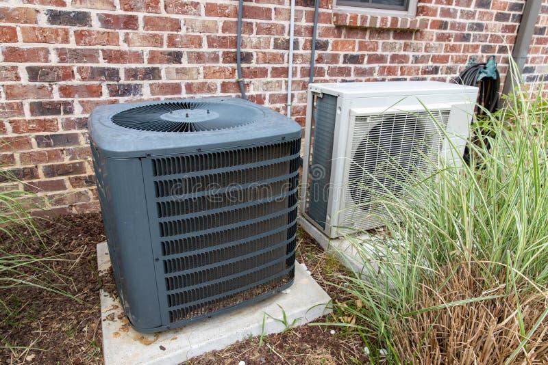 HVAC Wietrzy Conditioner kompresor i Rozszczepiającego system wpólnie zdjęcia royalty free