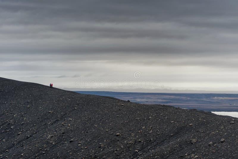 Hverfjall anche conosciuto come il modo del percorso di Hverfell giù la montagna in Islanda immagini stock libere da diritti