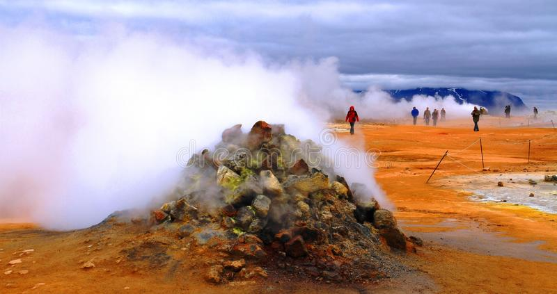 Hverir geothermisch park dichtbij Myvatn-meer, IJsland royalty-vrije stock fotografie