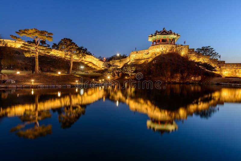 Hwaseong-Festung, traditionelle Architektur von Korea in Suwon an lizenzfreies stockbild