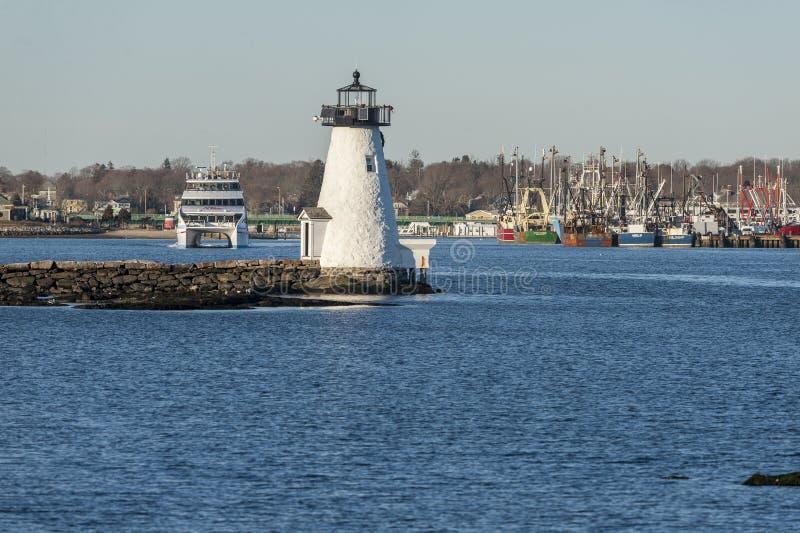 Hy-линия маяк острова ` s дамы IV приближая к Palmer парома серое стоковые изображения