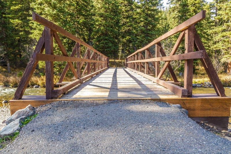 Hyalite-Nebenfluss-Brücke stockbilder