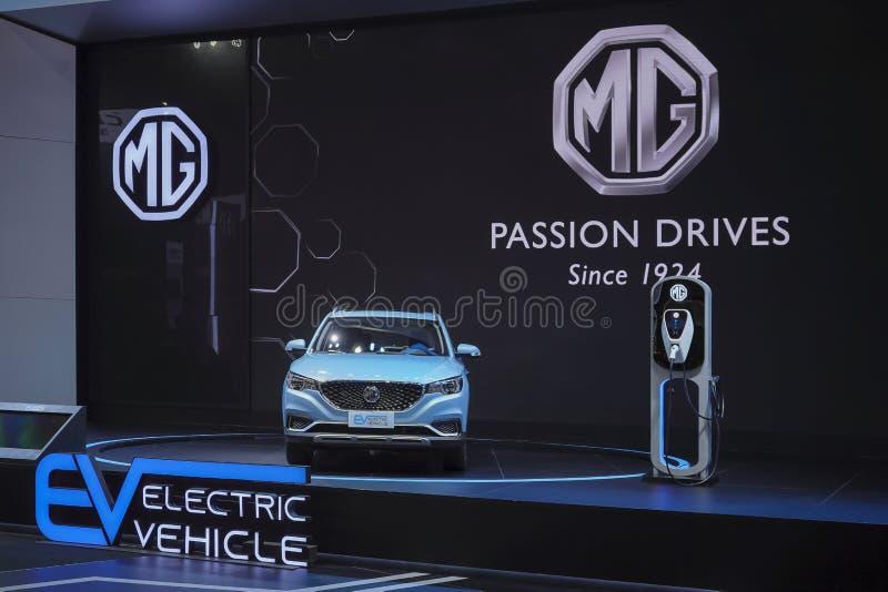 Hybride Elektro-Mobil-Einstecktechnologie MGs EV für Umwelt auf Anzeige in 40. Bangkok-Internationaler Automobilausstellung 2019 stockbilder