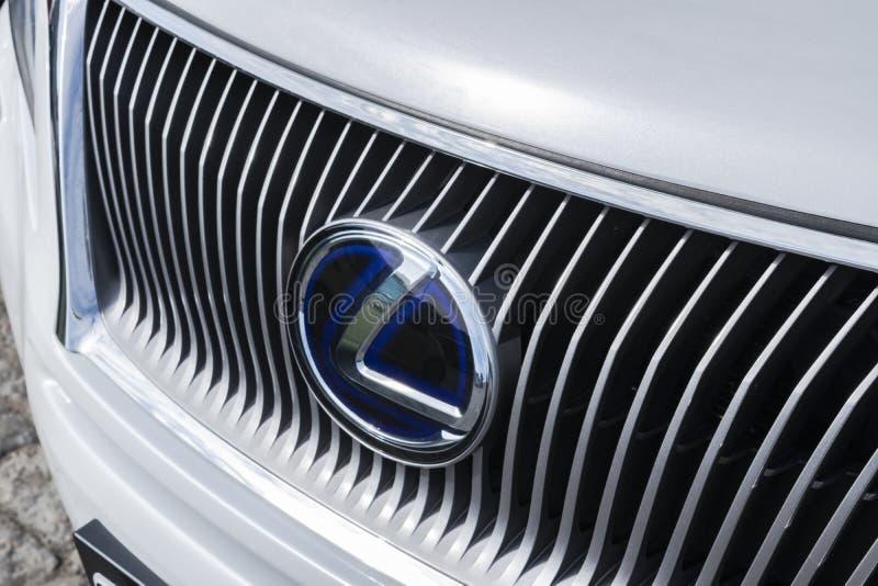 Hybride Logonahaufnahme Lexuss RX 450H Autoäußerdetails Professionelle Autopflege lizenzfreie stockbilder