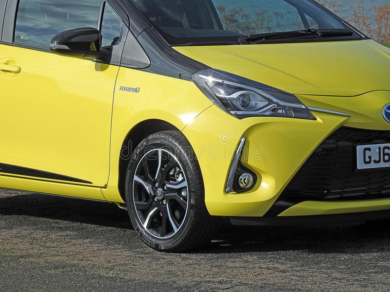 Hybrides Toyota-Luxusauto lizenzfreie stockfotos