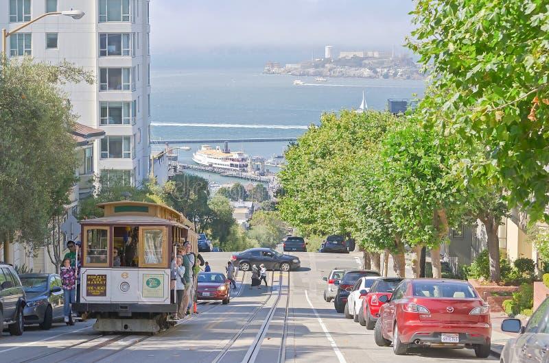 Hyde Street che trascura l'isola di Alcatraz, San Francisco, U.S.A. fotografia stock libera da diritti