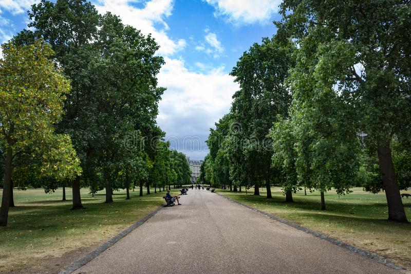 Hydepark in de zomer stock foto