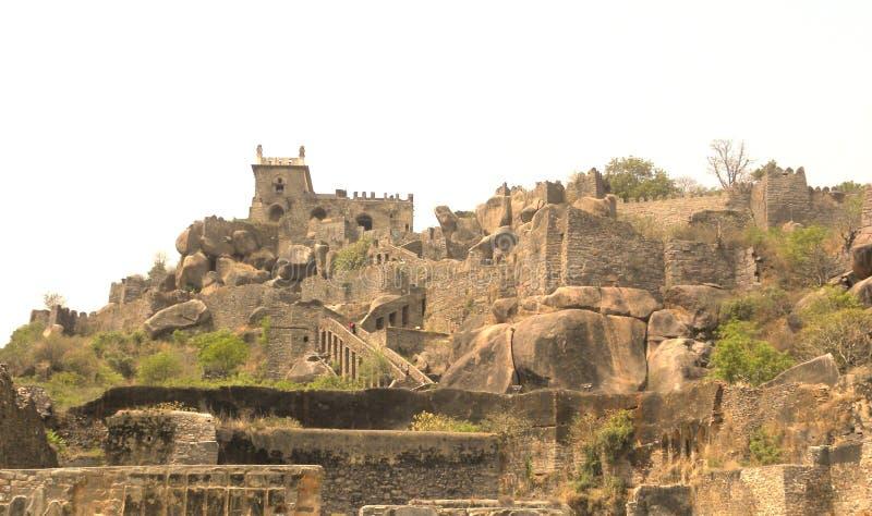 Hyderabad, Inde - aménagez 1er janvier 2009 la vue en parc du fort de Golkonda photos libres de droits