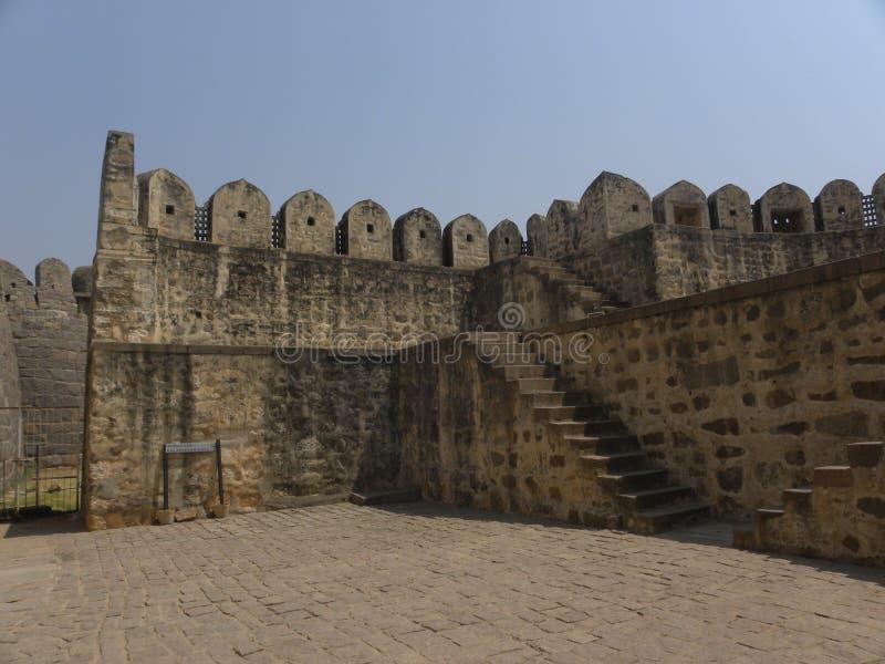 Hyderabad, Inde - 1er janvier 2009 ruines antiques au fort de Golconda, capitale du royaume de Golkonda image stock