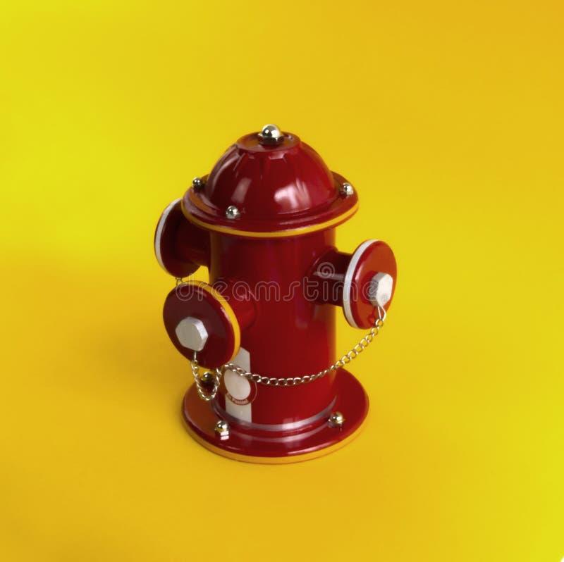 Hydrantöffentlichkeit Ein Hydrant lizenzfreie stockfotografie