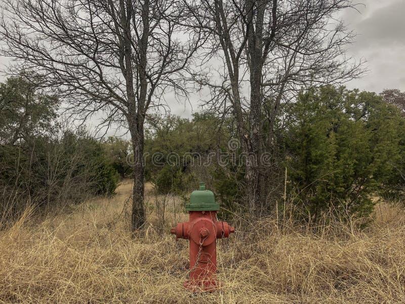 Hydrant im Land stockfotos