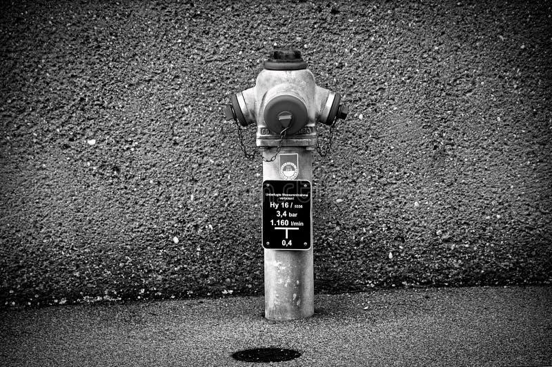 Hydrant Schwarzweiss stockfoto