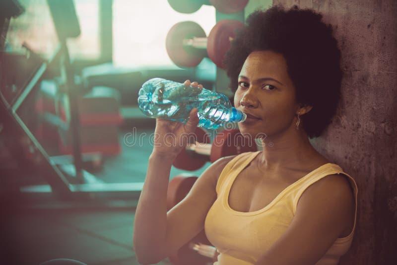 Hydrat halten lizenzfreie stockfotos
