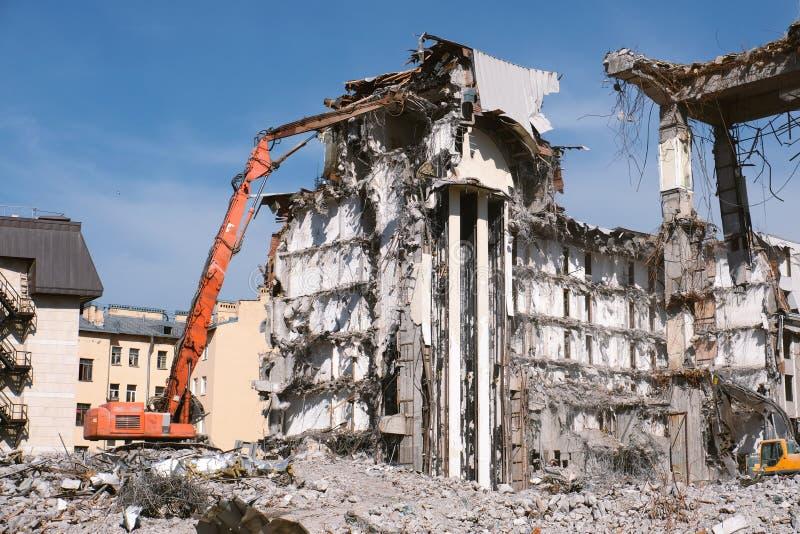 Hydraulic excavator building dismantling stock image