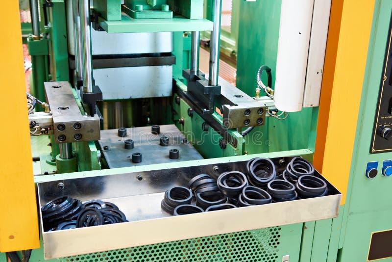 Hydraulische Presse für Gummivulkanisierung stockfotografie