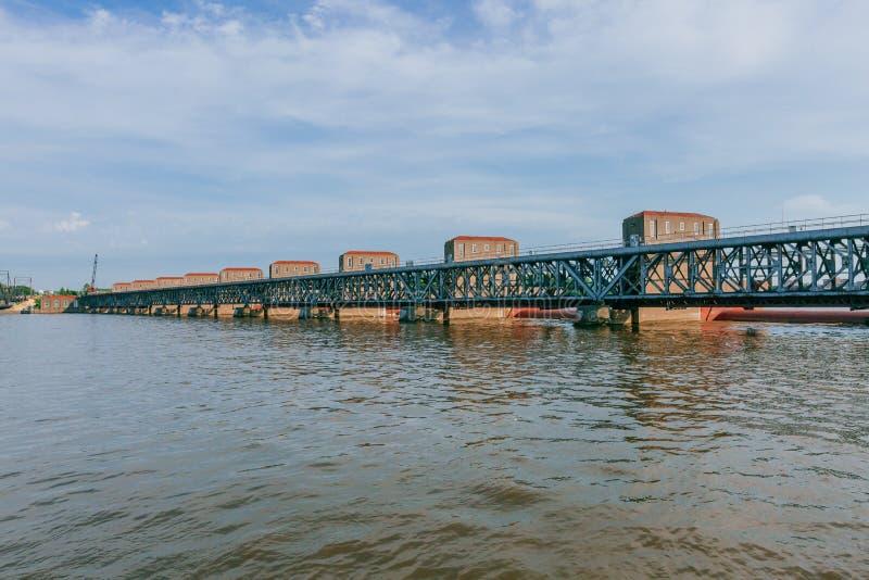 Hydro-elektriciteitinstallaties over de Rivier van de Mississippi in Davenport, Iowa, de V.S. stock afbeeldingen