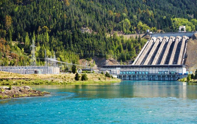 Hydro-elektrische dam, Nieuw Zeeland stock afbeelding