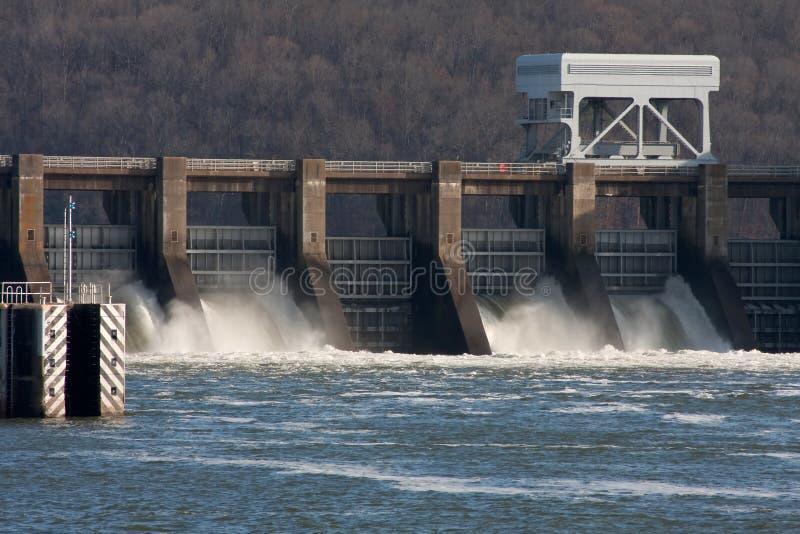hydroelektrisk anläggning royaltyfria bilder