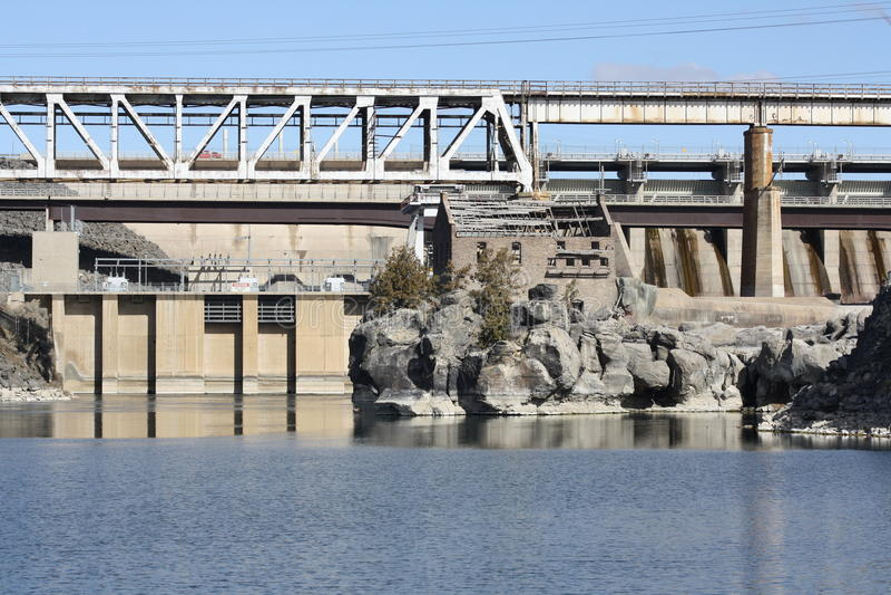hydroelektrisk fördämning arkivfoton