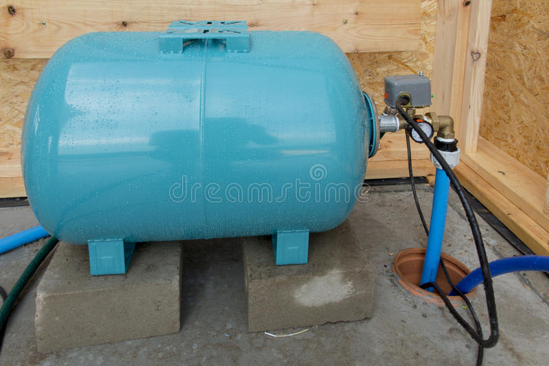 Hydrophore或调平压力的储水箱 库存图片