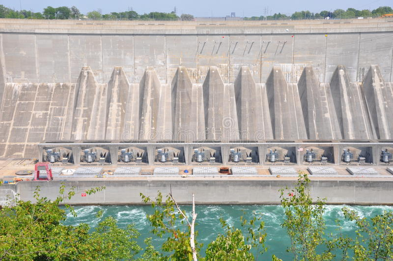 Hydroverdammung bei Niagara Falls lizenzfreie stockfotos